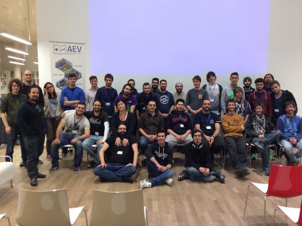 Foto de familia de la II Student Game Jam