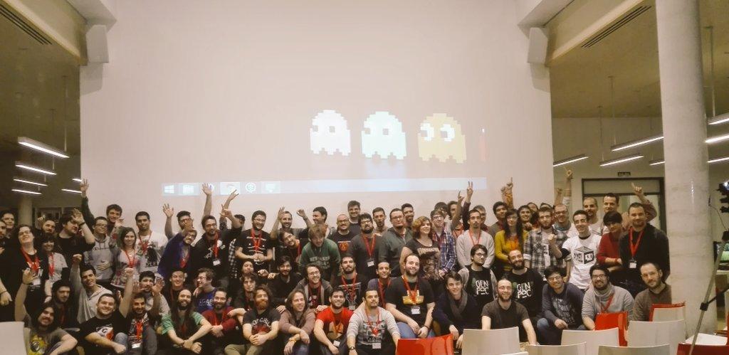 Foto de familia de la VI Student Game Jam